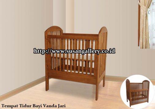 Tempat Tidur Jati Bayi